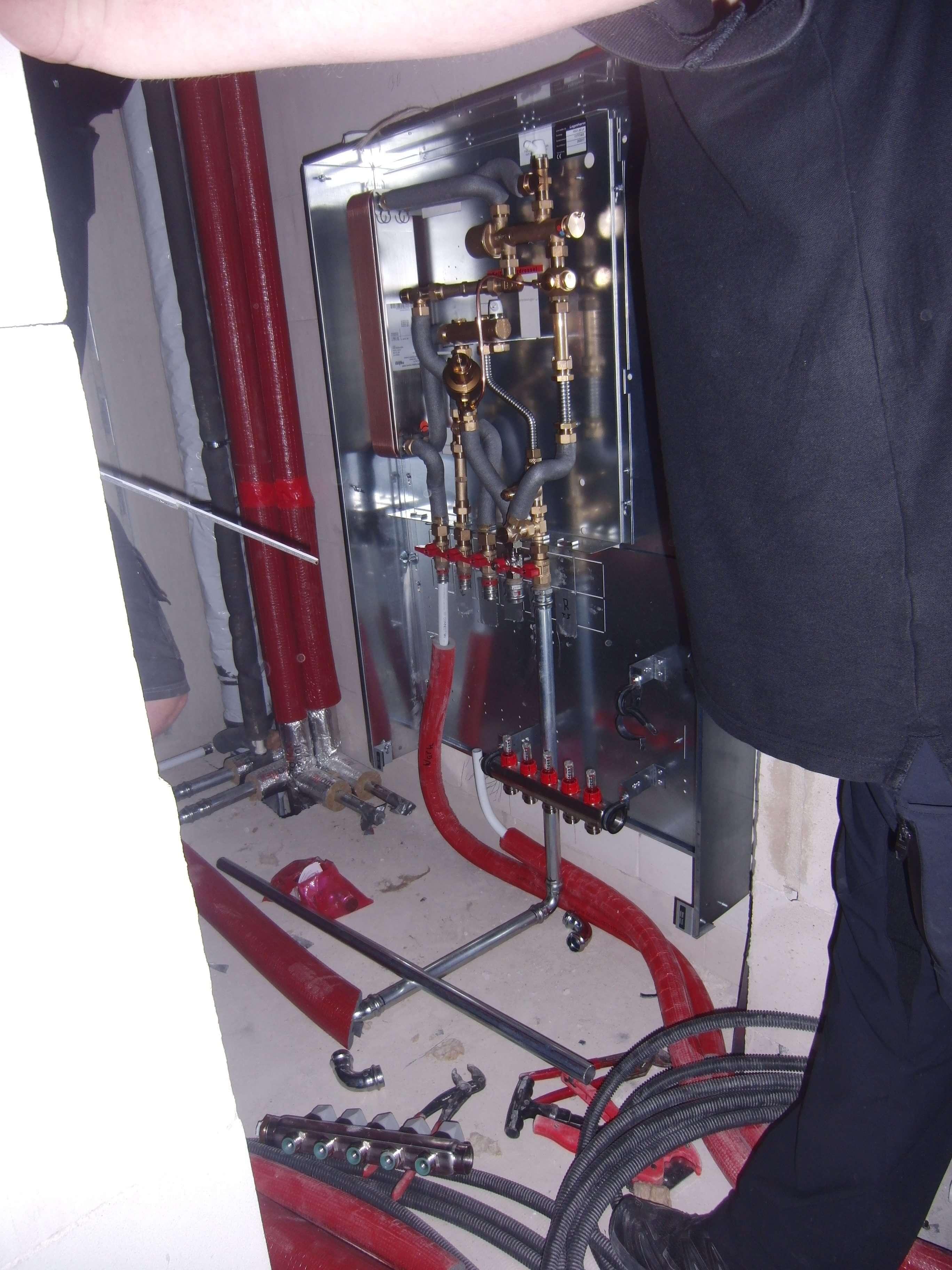 Meibes Wohnungswasserstation im Aufbau